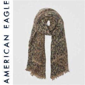 NWOT American Eagle Brown Leopard Blanket Scarf